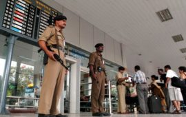 हाई अलर्ट: पाकिस्तानी विमानों ने सीमा लांघी, जम्मू कश्मीर और पंजाब में हवाई अड्डे बंद