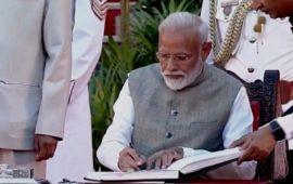 देश के 16वें प्रधानमंत्री बने नरेंद्र मोदी,जानिए मंत्रिमंडल में किसे मिली जगह और कौन हुआ बाहर?