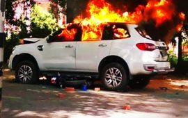 बीएचयू कैंपस में भाजपा नेता की गाड़ी ने स्टूडेंट्स को टक्कर मारी, स्टूडेंट्स ने गाड़ी फूंकी…