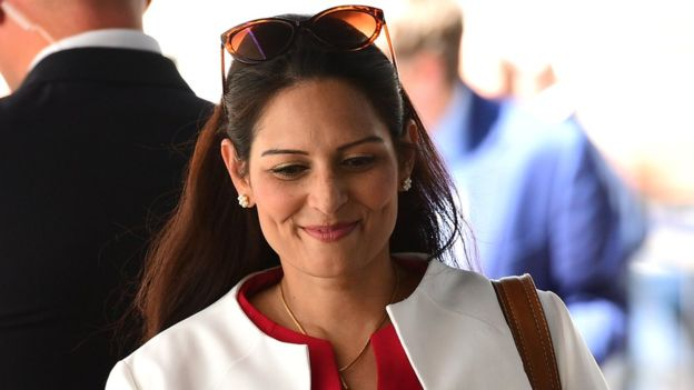 भारतीय मूल की प्रीति पटेल बनीं ब्रिटेन की गृह मंत्री, पाकिस्तानी मूल के साजिद जाविद बने वित्त मंत्री