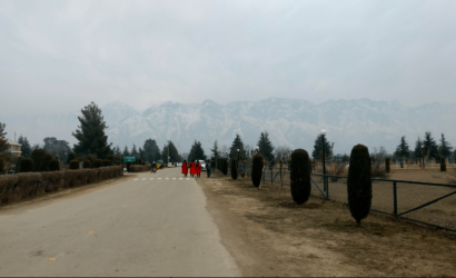 डिप्रेशन और पढ़ाई बर्बाद जैसे शब्दों के बीच कश्मीर यूनिवर्सिटी की छात्राओं की स्थिति