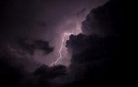 बिहार में बारिश के साथ गिरा ठनका, 83 लोगों की मौत…